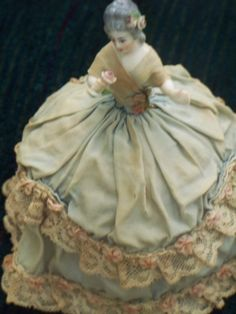 ** ART DECO old Pin Cushion Doll on Vanity POWDER BOX & Skirt Half Doll Germany