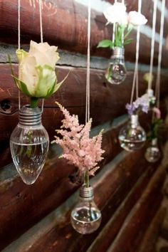 Would be so cool to put our plants in light bulb and hang them ! Falls Flowers Wedding at Rutgers Sun & Shade Garden - light bulb flower holders- so freaking cute! Possibly with fall flowers and mason jars or bottles hanging in between the light bulbs Flower Holder, Decoration Originale, Decoration Inspiration, Decor Ideas, Diy Ideas, Craft Ideas, Creative Ideas, Vase Ideas, Ideas Party
