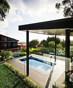 Chelsea-based Apex Landscapes realized this spectacular outdoor design project for a privately-owned located in Ferntree Gully, Melbourne.