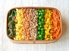 こちらは七色のそぼろ弁当。なるほど、黄色といえば炒り玉子と思...|CAFY [カフィ]