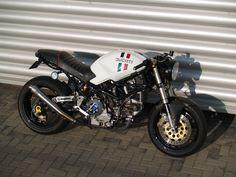 cafe racer   Ducati Monster 900 Cafe Racer