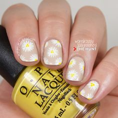 The Hunt - Mani Monday: Daisy Crazy - Wondrously Polished
