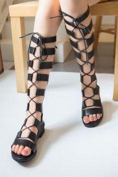 sandale romane lungi cu siret