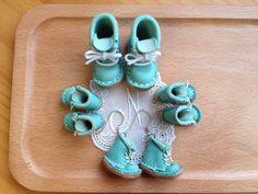 Mini Tiffany 藍小靴耳環^_^