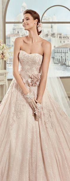 Colet pink-ivory princess line dress, in tulle with rebrodè beading lace and chantilly lace. Colet 2017 Collection - Wedding dress