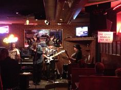 El Chapultepec is a local favorite, small and usually crowded, venue known throughout Denver as the city's best spot for live blues and jazz. Located right in the heart of downtown, enjoy drinks and Mexican food to compliment the legendary performers.