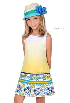 ALALOSHA: VOGUE ENFANTS: Set on the seashore between the dunes and the beach, against a clear blue summer sky, in the powerful yet soft light of sunset, the latest collection from Laura Biagiotti Dolls convey calmness and harmony Tween Fashion, Moda Fashion, Girl Fashion, Little Girl Outfits, Kids Outfits, Cute Outfits, Little Fashionista, Young Models, Child Models