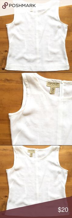 Jones New York Blouse Excellent condition white linen zips in back 25 in long 22 1/2 bust lightweight classic and very pretty Jones New York Tops Blouses