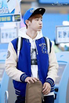 131020 EXO Chanyeol   Beijing Airport to Gimhae