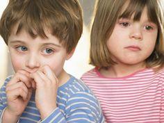 Детские навязчивости: что делать, если вы заметили у ребенка странные движения