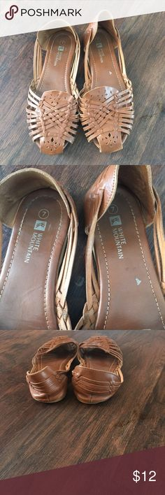 White mountain flats White mountain flats. Hardly worn. Very cute with any type of outfit! white Mountain Shoes