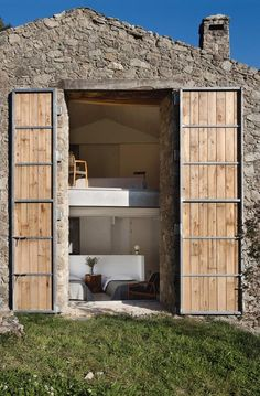 A country home renovation in Extremadura by Ábaton Architects. Fantastic over-sized house design Design Exterior, Facade Design, Door Design, Design Room, Vacation Homes For Rent, Stone Facade, Stone Siding, Wood Siding, Renting A House