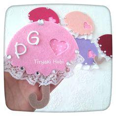 ♥ Tiryaki Hobi ♥: Keçe nikah / nişan şekeri /magneti - şemsiye  -------  felt umbrellas