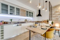 Kitchen decoration: inspiration from architects and decorators - Côté Maison Kitchen Interior, Living Room Kitchen, Home N Decor, Apartment Interior, Home Decor, Studio Kitchen, Kitchen Sets, Kitchen Design, Small Living