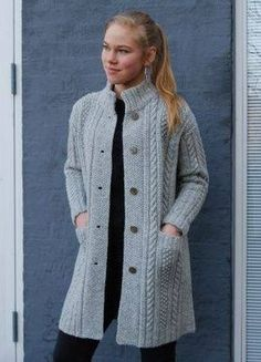 CLASSIC knit kit by designer Hanne Falkenberg of Denmark sizes S M L XL Full width 111 122 132 cm Total length 82 86 90 cm Sleeves from shoulder 50 52 54 cm Pattern includes all three sizes S M L XL Knitting Kits, Sweater Knitting Patterns, Cardigan Pattern, Crochet Cardigan, Crochet Shirt, Knitting Designs, Knit Crochet, Knitting Ideas, Poncho Mantel
