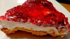 No Bake Strawberry Cheesecake, requires stovetop for strawberry topping Strawberry Pretzel Salad, Strawberry Topping, Strawberry Cheesecake, Baked Strawberries, Greek Recipes, Deserts, Cooking Recipes, Sweets, Baking