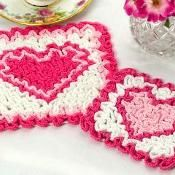 Ravelry: Wiggly Valentine Hot Pad and Coaster pattern by Susan Lowman for Valentine's Day Wiggly Crochet Patterns, Crochet Coaster Pattern, Crochet Chart, Knitting Patterns, Crochet Hot Pads, Cotton Crochet, Crochet Books, Thread Crochet, Crochet Gifts