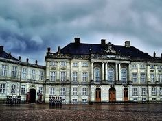 Official residence: Amalienborg Palace ( winter )