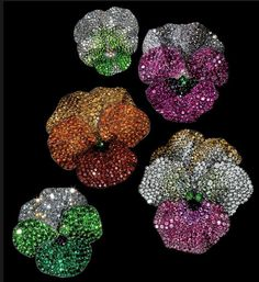 This Wednesday, one of the most anticipated jewelry exhibitions opens at The Metropolitan Museum of Art in New York City. Four hundred extraordinary creations and bejeweled fantasies bring to life...