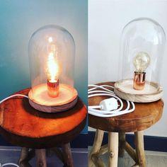 Stoer Handgemaakte industriële stolplamp! Een trendy eyecatcher in jouw huis.   Optioneel: andere kleuren snoeren of fittingen:  - Prachtige glazen stolp - Onderstel van hout - Met de hand gemaakt - Strijkijzer draad - Klik schakelaar - Fitting - Inclusief edison lamp  Afmetingen : 17 cm keer 24 cm  Alles wordt met de hand gemaakt / bewerkt In overleg met elkaar komen wij tot een prachtlamp!   Mail mij!  Retro vintage / stolp lamp / tafel lamp / edison stolplamp