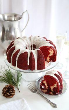 Red Velvet Cream Cheese Bundt Cake: this moist red velvet bundt cake is swirled with a sweet cream cheese filling and topped with a whipped cream cheese frosting! Holiday Cakes, Holiday Desserts, Cupcakes, Cupcake Cakes, Cake Mix Recipes, Dessert Recipes, Red Velvet Bundt Cake, Red Velvet Desserts, Red Velvet Recipes