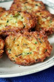 I Love Zucchini Cakes (Ree Drummond) Fried Zucchini Cakes, Zucchini Pommes, Zucchini Pancakes, Zucchini Fries, Bake Zucchini, Veggie Cakes, Baked Zucchini Fritters, Vegetable Dishes, Salads