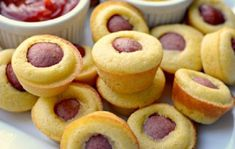 You're going to love this mini corn dog muffins recipe! These corn dog muffins are a crowd-pleaser, especially with kids. This is a great - Video: Mini Corn Dog Muffins Recipe Corn Dog Muffins, Mini Corn Dog Muffin Recipe, Mini Muffins, Cheese Muffins, Party Finger Foods, Party Snacks, Toddler Party Foods, Kid Friendly Appetizers, Mini Corn Dogs
