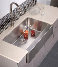 Stainless Steel Sinks And Modern Kitchen Faucets – Quick Kitchen Updates On A Budget Best Kitchen Sinks, Kitchen And Bath, New Kitchen, Cool Kitchens, Kitchen Decor, Kitchen Ideas, Kitchen Faucets, Large Kitchen Sinks, Kitchen Planning