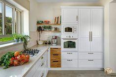 המטבח בקיבוץ Kitchen Room Design, Kitchen Decor, Kitchen Ideas, Cocina Diy, Kitchen Time, Home Projects, Home Kitchens, Kitchen Cabinets, Living Room