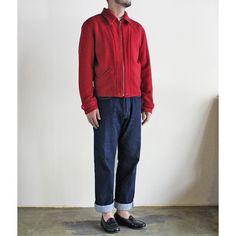 LVC 1940S WOOL ZIP JACKET / 1940年代ウール・ジップジャケット(RED) ジャケット。素材は厚みのあるウール、カラーは深みのあるヴィンテージ・レッド。スタンダード・フィットで着丈がすっきりしているのでバランスよく着こなせます。ブランドタグや襟の形、ポケットなどの細かいディティールは、歴史あるワークウェア・ブランドのこだわりを感じさせます。