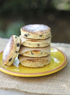 Welsh Cakes -- I have fond memories of these little pastries from my childhood. Mom would bake them in her electric frying pan. We would wait patiently by the kitchen counter for the first tender, sweet little … Welsh Cakes Recipe, Welsh Recipes, Zeina, Little Cakes, Small Cake, Cake Ingredients, Pasta, Food 52, Sweet Bread