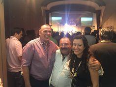 PASO DE LOS LIBRES Estuvimos en el Teatro Opera , en el festival donde se conmemoro los 100 del natalicio de Ernesto Montiel, un lleno total, estuvimos con los concejales ,el Ministro Eduardo Vischi y el profesor Raúl Tarabini, Intendente de lLbres. Entregamos premios junto a Peteco y Raúl, a la sobrina de Ernesto Montiel.