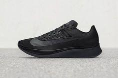 """""""Triple Black"""" Nike Zoom Fly"""