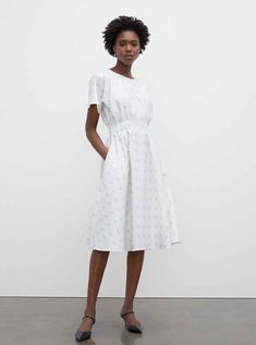 Burnout Pleated Maxi Dress Casual Day Dresses, Simple Dresses, Club Monaco, Jumpsuit Dress, Belted Dress, Modern Outfits, Stylish Outfits, Dress Remove, Scoop Neck Dress