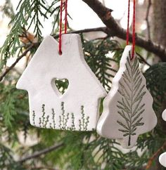 Best Pictures white clay ornaments Suggestions By Hook and Thread: Christmas Ornaments-Das style Clay Christmas Decorations, Christmas Clay, Christmas Ornaments To Make, Clay Ornaments, Christmas Makes, Homemade Christmas, Diy Christmas Gifts, Christmas Projects, Holiday Crafts
