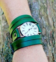 Split Triple-Wrap Green Wrist Watch.