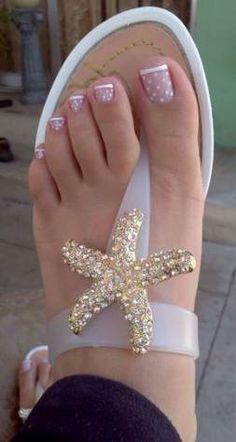 french nails füße 5 besten Nail Art nail art on toes Simple Toe Nails, Pretty Toe Nails, Cute Toe Nails, Cute Toes, Summer Pedicure Colors, Summer Toe Nails, Summer Pedicures, French Pedicure Designs, Toe Nail Designs