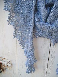 Crochet: Ravelry: Twinkle dream Love this yarn Knit Or Crochet, Lace Knitting, Crochet Shawl, Knitting Scarves, Shawl Patterns, Knitting Patterns, Crochet Patterns, Knit Wrap, Knitted Shawls