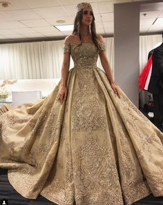 """Bridal Lehenga Inspirations for the modern bride! Bridal Dresses, Prom Dresses, Formal Dresses, Beaded Wedding Gowns, Bridal Lehenga, Quinceanera Dresses, Beautiful Gowns, Dream Dress, Marie"