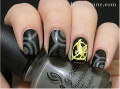 Hunger Games nails - mockingjay