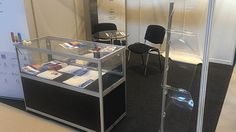 Glass Display Cases Hire For Exhibitions