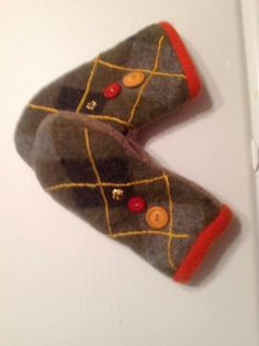 Sweater Mittens, Wool Sweaters, Wool Hats, Quilting Projects, Sewing Projects, Wool Felt, Felted Wool, Recycled Sweaters, Mittens Pattern
