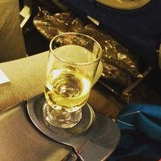 La alegria de viajar a Israel hay que disfrutarla en el mejor vuelo, con  World Travel class de @britishairways  y diciendo lejaim  sigue a @diariojudiomexico  #israeligram  @ginga @judiosenmexico @diariojudio #diariojudio #masideas, @jewishagency @israelinmexico, @loves_israel_, @ig_our_Israel,@instajewgram, @insta_israel @ig_israel, @israelmfa @urban_israel,@stateofisrael #igourisrael, #insta_israel , #idf,@mexijew,#instajew,  @israel,@standwithus, @israelproject, @unidosxi