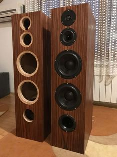 Here are the plans for a pair of DIY floor standing speakers with good bass response, using budget drivers from Dayton Audio. Best Floor Standing Speakers, Floor Speakers, Pro Audio Speakers, Tower Speakers, Diy Speakers, Speaker Box Diy, Audiophile Speakers, Subwoofer Box Design, Speaker Box Design