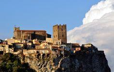 """''""""Il Castello sulla roccia""""'' - Motta Sant'Anastasia"""