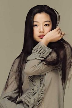 Jun Ji Hyun (born October also known as Gianna Jun is a South Korean model turned actress. She was first began her career in fashion. Jun Ji Hyun, Pretty Asian, Beautiful Asian Women, Hannah Marks, Korean Beauty, Asian Beauty, Li Bingbing, My Sassy Girl, Korean Celebrities