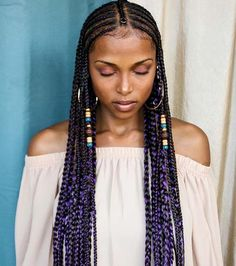 All styles of box braids to sublimate her hair afro On long box braids, everything is allowed! For fans of all kinds of buns, Afro braids in XXL bun bun work as well as the low glamorous bun Zoe Kravitz. Box Braid Hair, Blonde Box Braids, Black Girl Braids, Braids For Black Hair, Girls Braids, Purple Box Braids, Kid Braids, Tree Braids, Braids Ideas