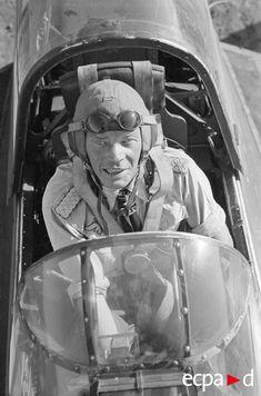 ✠ Ernst Kupfer (2 July 1907 - 6 November 1943)  RK 23.11.1941 Hauptmann Staffelkapitän i. d. I./Stuka-Geschw 2 + 08.01.1943 [173. EL] Major Kdr II./Stuka-Geschw 2 + 11.04.1944 [62. Sw] Oberstleutnant Kommodore Stuka-Geschw 2 Killed in flying accident in bad weather north of Thessaloniki.