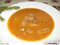 Srnčí guláš Thai Red Curry, Ethnic Recipes, Food, Red Peppers, Essen, Meals, Yemek, Eten