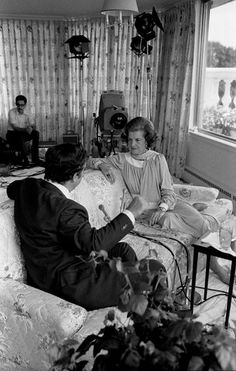 Betty Ford Fields Questions on Womens Rights, Premarital Sex, Breast Cancer, Drugs, and Anything Controversial - July 1975 60 Minutes interview with Morley Safer. Ford Field, Betty Ford, Cbs News, Presidents, Breast Cancer, Lady, Fields, Drugs, Interview